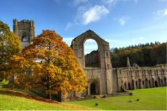 fountains abby 6 Amazing World Heritage Sites in the UK